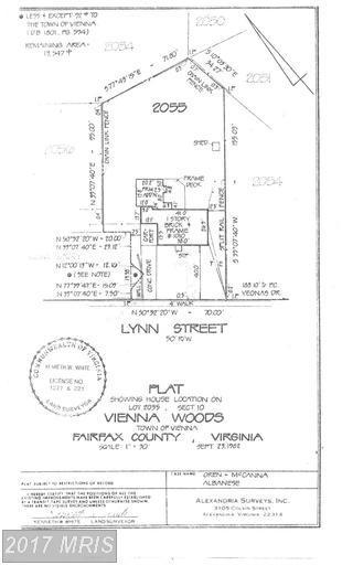 1010 Lynn Street SW, Vienna, VA 22180 (#FX9868369) :: Pearson Smith Realty