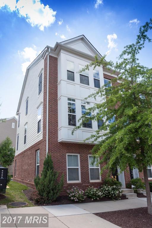 9514 Canonbury Square, Fairfax, VA 22031 (#FX9973263) :: Pearson Smith Realty