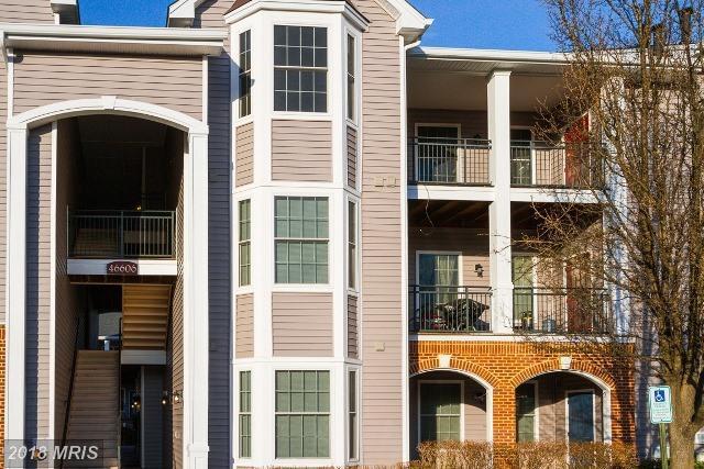 46606 Drysdale Terrace #301, Sterling, VA 20165 (#LO10176029) :: The Greg Wells Team