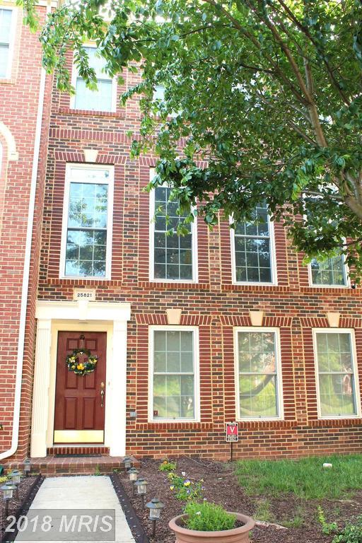 25821 Mews Terrace, Chantilly, VA 20152 (#LO10248691) :: Labrador Real Estate Team