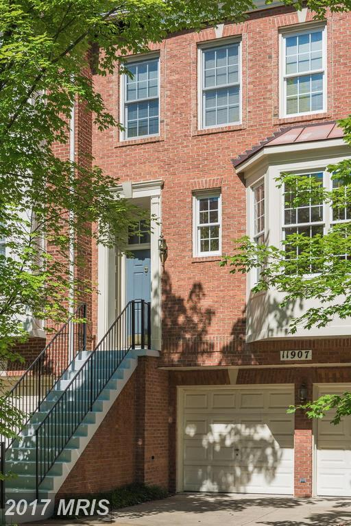 11907 Grey Hollow Court #77, North Bethesda, MD 20852 (#MC9974019) :: Pearson Smith Realty