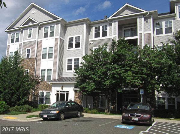 1311 Karen Boulevard #401, Capitol Heights, MD 20743 (#PG10034453) :: Pearson Smith Realty