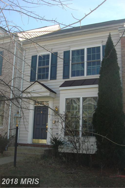 2575 Oak Tree Lane, Woodbridge, VA 22191 (#PW10103398) :: Pearson Smith Realty