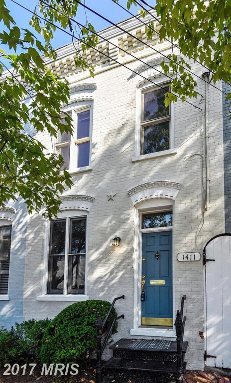1411 Prince Street, Alexandria, VA 22314 (#AX10060179) :: Pearson Smith Realty