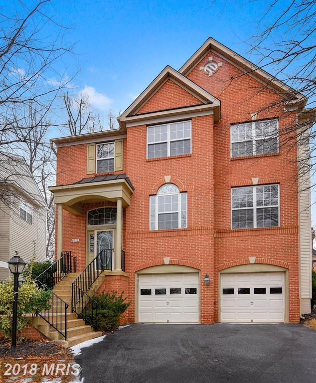 8913 Garden Gate Drive, Fairfax, VA 22031 (#FX10103861) :: Pearson Smith Realty