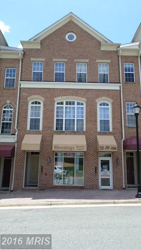 4815 Dashiell Place, Woodbridge, VA 22192 (#PW9598058) :: Pearson Smith Realty
