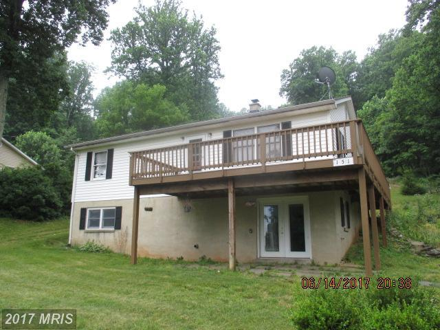 151 Blue Ridge Avenue, Chester Gap, VA 22623 (#RP9948585) :: LoCoMusings