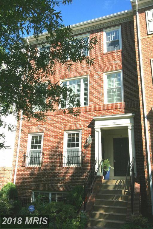 717-B Massey Lane, Alexandria, VA 22314 (#AX10065173) :: Pearson Smith Realty