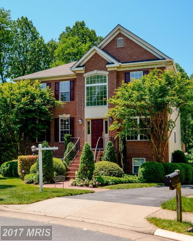 8921 Garden Stone Lane, Fairfax, VA 22031 (#FX9950043) :: LoCoMusings