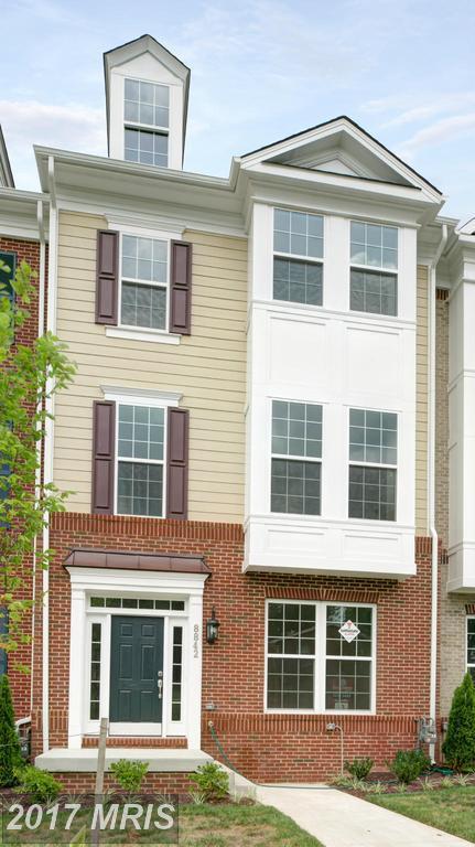 8842 Orchard Lane, Manassas, VA 20110 (#MN9812921) :: Pearson Smith Realty