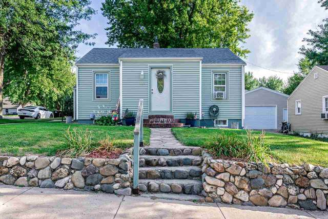 922 Lawrence Street, Belle Fourche, SD 57717 (MLS #65873) :: Christians Team Real Estate, Inc.