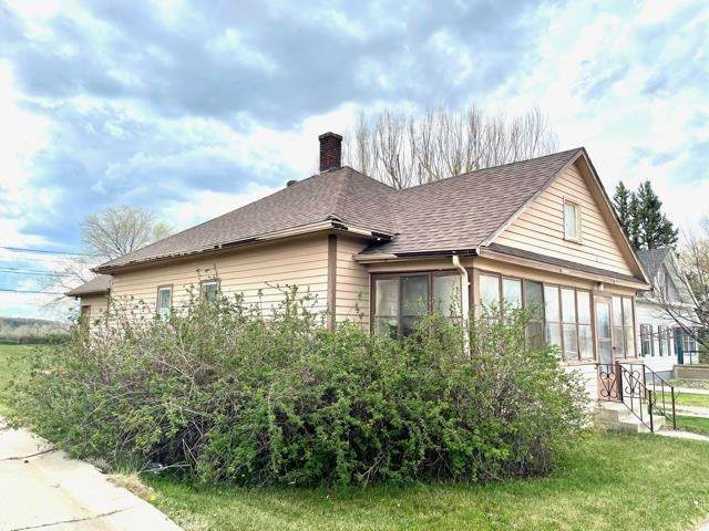 1016 5th Avenue, Belle Fourche, SD 57717 (MLS #68337) :: Black Hills SD Realty