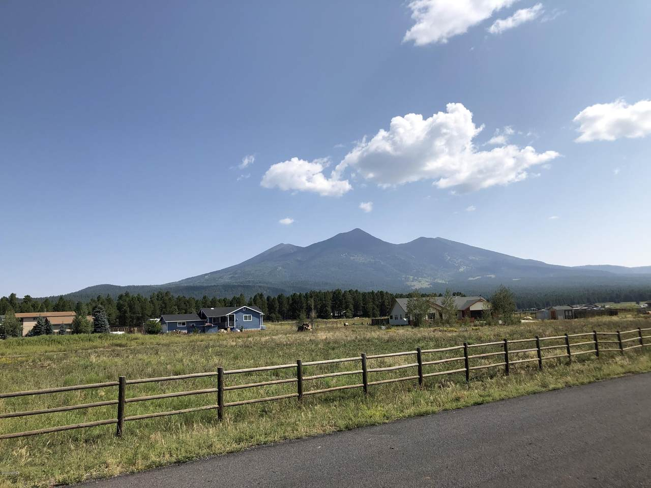 4944 Laskin Trail - Photo 1