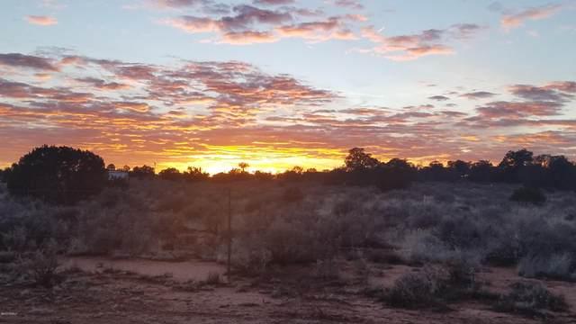 809 Lowell Drive, Williams, AZ 86046 (MLS #182688) :: Keller Williams Arizona Living Realty