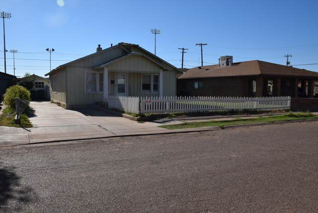 1004 Apache Avenue, Winslow, AZ 86047 (MLS #183350) :: Keller Williams Arizona Living Realty