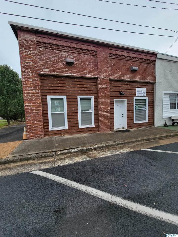 136 Commerce Avenue - Photo 1