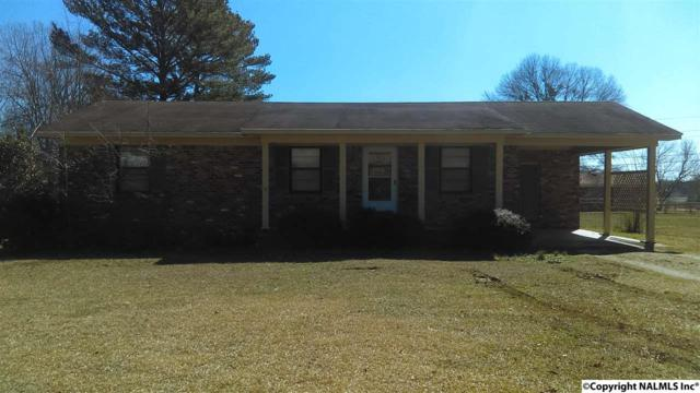 304 Gilchrist Street, Hartselle, AL 35640 (MLS #1080555) :: Intero Real Estate Services Huntsville