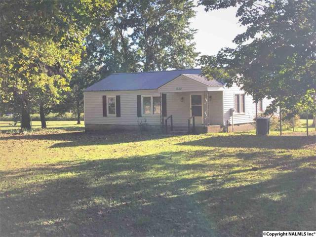 1528 Wall Road, Brownsboro, AL 35741 (MLS #1081114) :: RE/MAX Distinctive | Lowrey Team