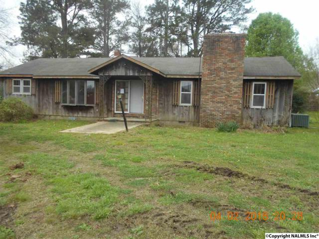 1717 West Market, Athens, AL 35611 (MLS #1091872) :: The Pugh Group RE/MAX Alliance