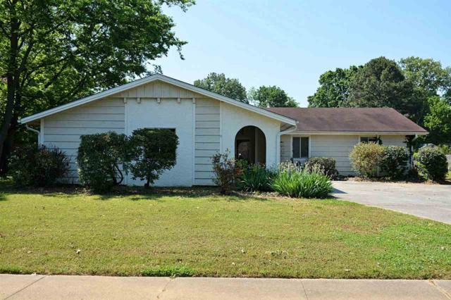 2402 Arrow Wood Drive, Huntsville, AL 35803 (MLS #1093718) :: RE/MAX Alliance