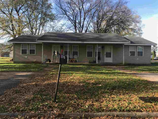 1807 N 9TH AVENUE, Sheffield, AL 35660 (MLS #1098945) :: Intero Real Estate Services Huntsville