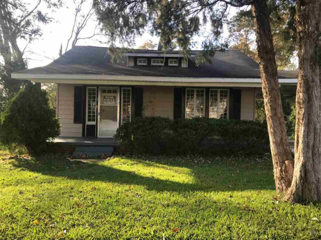 108 Wood Avenue, Sheffield, AL 35660 (MLS #1098957) :: Intero Real Estate Services Huntsville