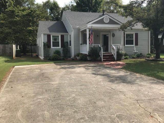 2017 Vanderbilt Drive, Huntsville, AL 35801 (MLS #1104350) :: The Pugh Group RE/MAX Alliance