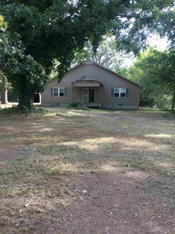 215 Couch Street, Scottsboro, AL 35768 (MLS #1105454) :: Capstone Realty