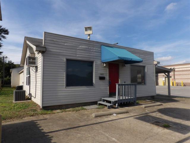 1428 Gunter Avenue, Guntersville, AL 35976 (MLS #1106147) :: Legend Realty