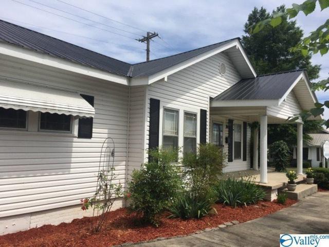2311 Loveless Street, Guntersville, AL 35976 (MLS #1118571) :: Eric Cady Real Estate