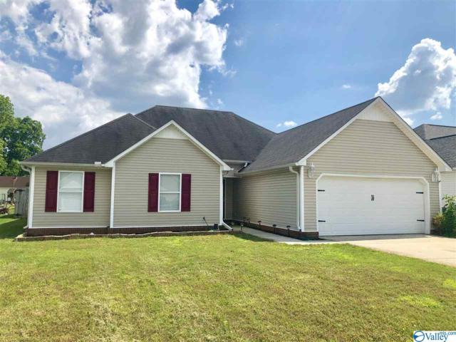 3913 Boxwood Lane, Decatur, AL 35603 (MLS #1119738) :: Eric Cady Real Estate