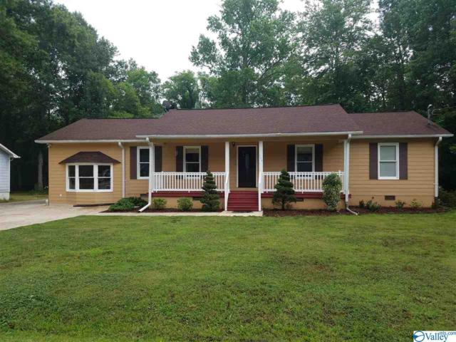704 Forrest Avenue, Scottsboro, AL 35768 (MLS #1121287) :: Legend Realty
