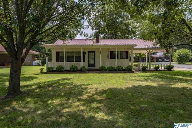 1111 Cedarwood Drive, Fort Payne, AL 35968 (MLS #1124060) :: Intero Real Estate Services Huntsville