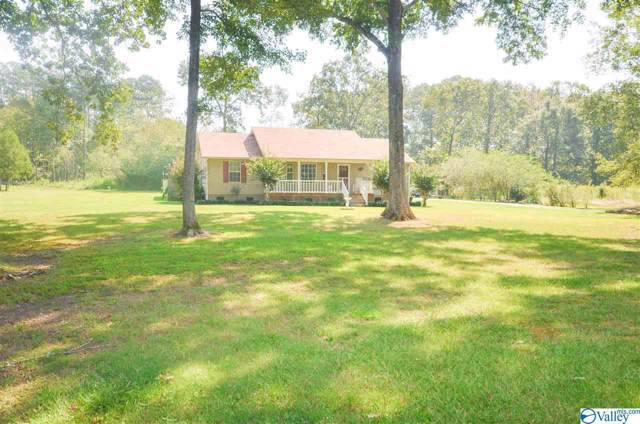 828 Springdale Road, Hartselle, AL 35640 (MLS #1127986) :: Legend Realty