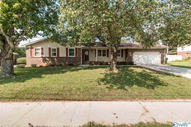2105 Bideford Drive, Huntsville, AL 35803 (MLS #1128006) :: Eric Cady Real Estate