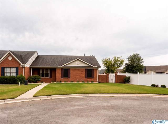 2401 Chaucer Circle, Decatur, AL 35601 (MLS #1129986) :: Coldwell Banker of the Valley