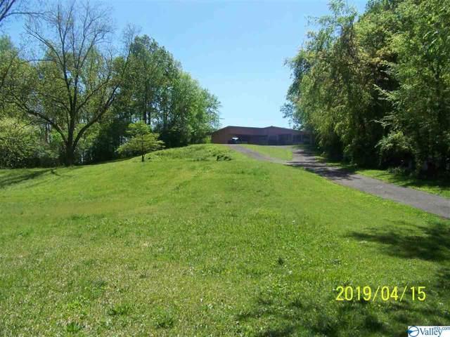 810 Veterans Drive, Scottsboro, AL 35768 (MLS #1132349) :: Legend Realty