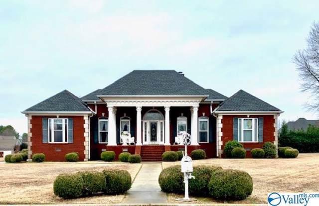 1701 Foxcroft Drive, Athens, AL 35613 (MLS #1135044) :: RE/MAX Distinctive | Lowrey Team