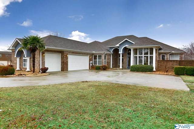 12820 Saint Andrews Drive, Athens, AL 35611 (MLS #1136635) :: Amanda Howard Sotheby's International Realty