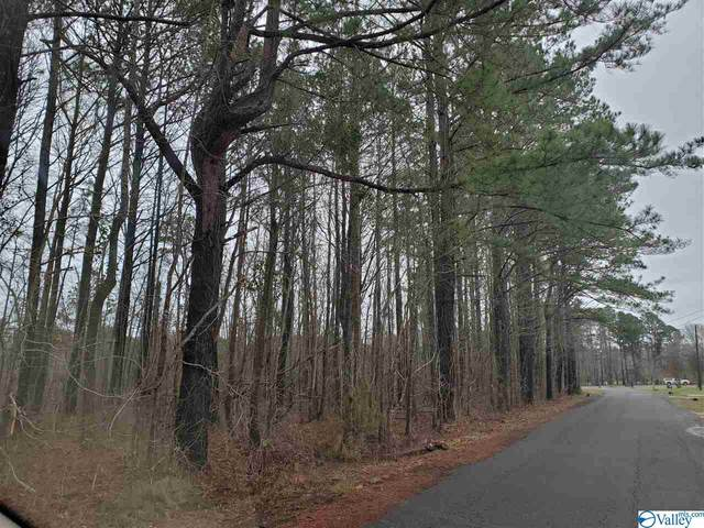 37-38 Indian Lake Drive, Rainbow City, AL 35906 (MLS #1137594) :: Coldwell Banker of the Valley