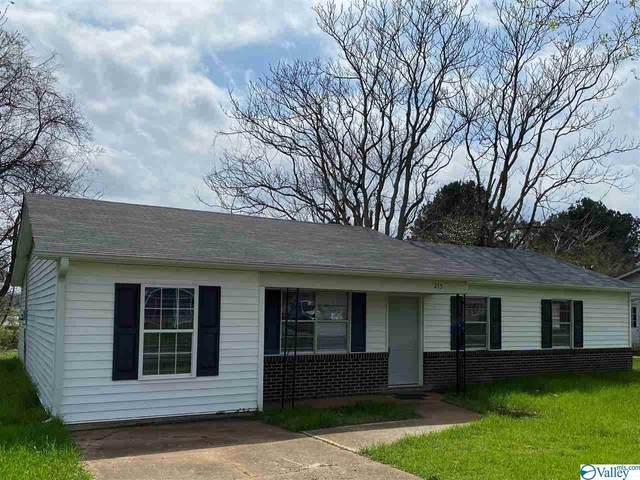215 Robinson Street, Decatur, AL 35601 (MLS #1139800) :: Legend Realty