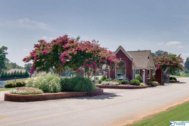 13395 Saint Andrew Drive, Athens, AL 35611 (MLS #1140161) :: Legend Realty