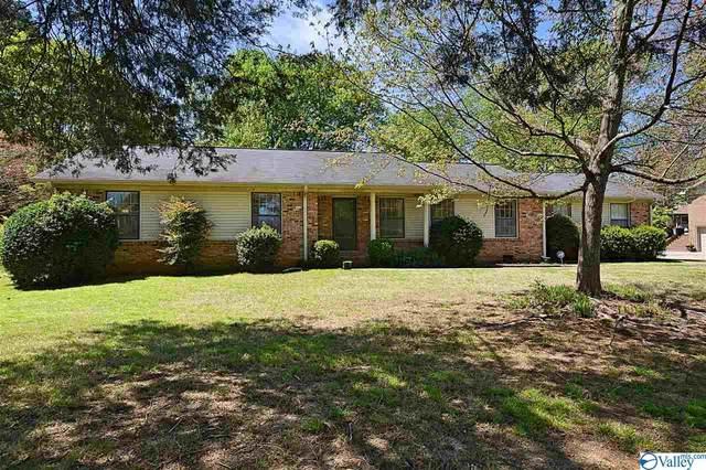8004 Hickory Hills Lane, Huntsville, AL 35802 (MLS #1140934) :: Amanda Howard Sotheby's International Realty