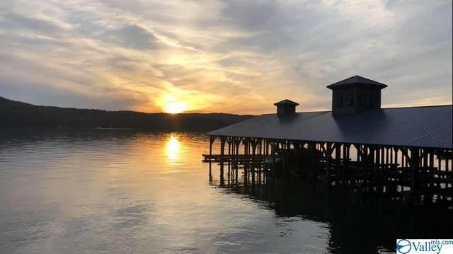 97 Boathouse Drive, Guntersville, AL 35976 (MLS #1142615) :: RE/MAX Distinctive | Lowrey Team