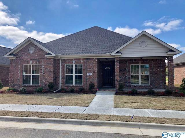 2418 Castle Gate Blvd, Decatur, AL 35603 (MLS #1143390) :: RE/MAX Distinctive | Lowrey Team