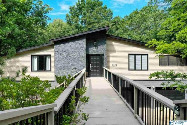 9050 Sugar Tree Trail, Huntsville, AL 35802 (MLS #1146788) :: RE/MAX Unlimited