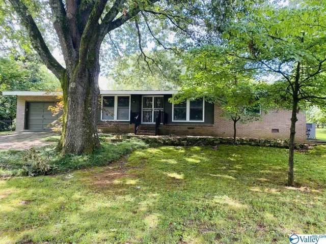 704 Pinecrest Road, Huntsville, AL 35802 (MLS #1148089) :: Amanda Howard Sotheby's International Realty
