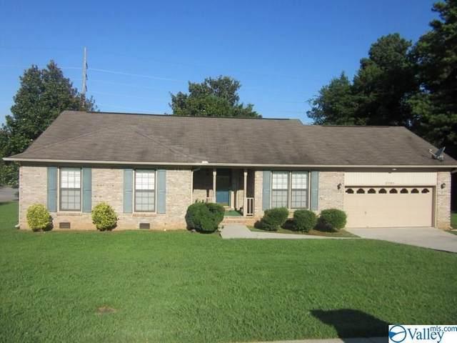 2701 NW Carlsbad Drive, Huntsville, AL 35810 (MLS #1148169) :: Amanda Howard Sotheby's International Realty