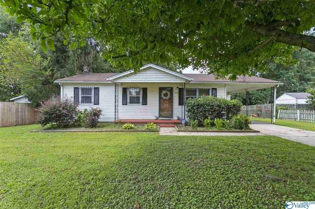2703 Washington Street, Huntsville, AL 35811 (MLS #1149175) :: MarMac Real Estate