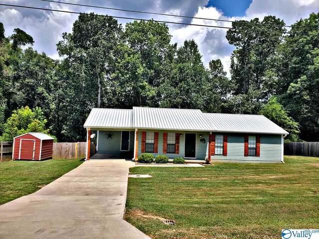 2227 Hillview Street, Hartselle, AL 35640 (MLS #1149739) :: MarMac Real Estate